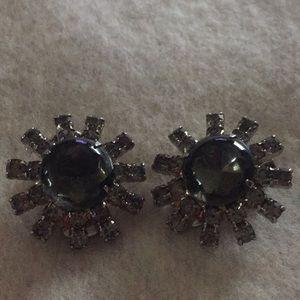 Jewelry - Vintage clip on earrings